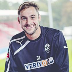 Mittelfeldspieler Simon Tüting