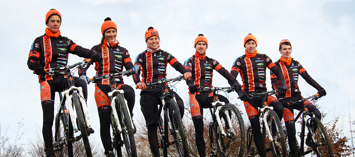 Mountainbike-Team mit Elisabeth Brandau